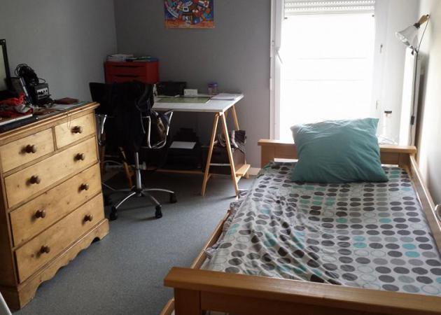 chambre louer sur le campus 2 caen chambre chez l 39 habitant epron. Black Bedroom Furniture Sets. Home Design Ideas