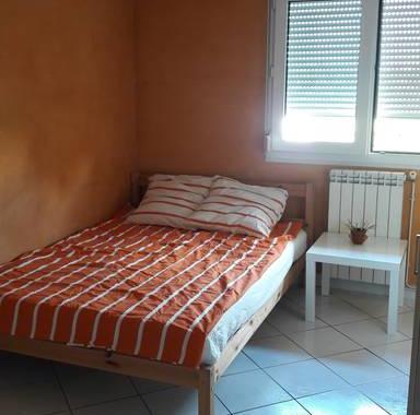 chambre louer chez l 39 habitant h rault. Black Bedroom Furniture Sets. Home Design Ideas