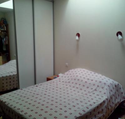 chambre louer chez l 39 habitant montpellier. Black Bedroom Furniture Sets. Home Design Ideas