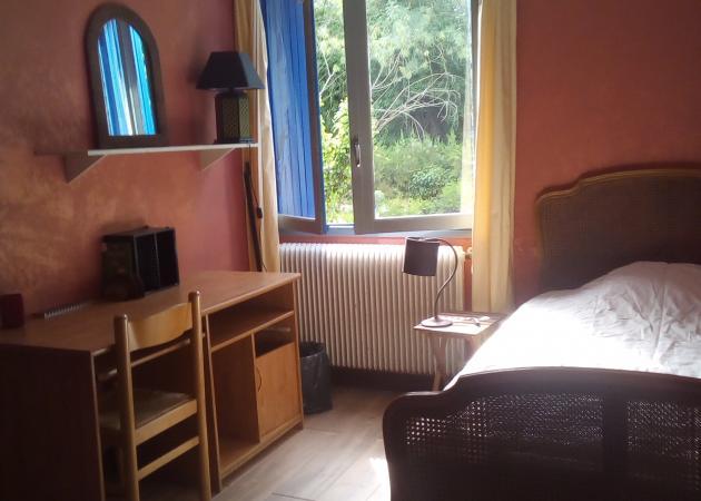 location chambre meubl e courte ou longue dur e chambre. Black Bedroom Furniture Sets. Home Design Ideas