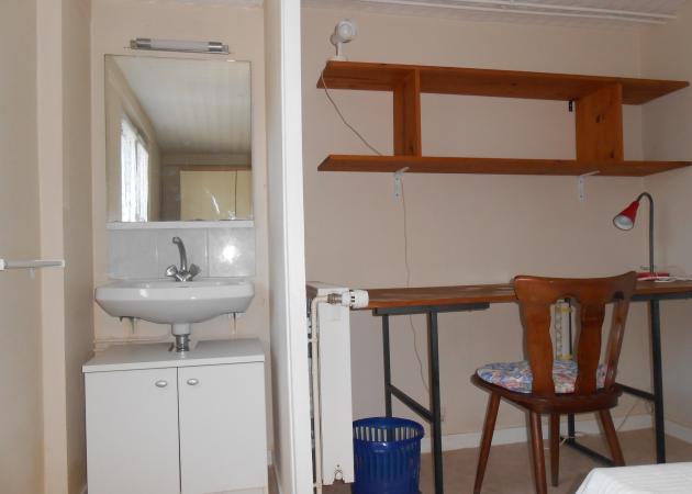Chambre louer dans maison chambre chez l 39 habitant orl ans - Chambre a louer chez personne agee ...