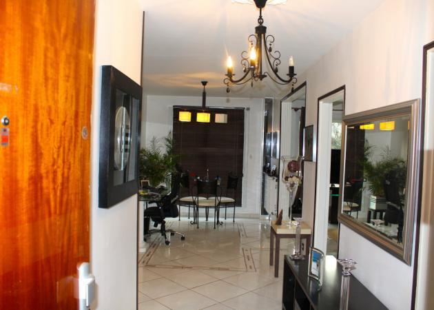 chambre 12m2 pour tudiante ordonn e chambre chez l 39 habitant saint tienne. Black Bedroom Furniture Sets. Home Design Ideas