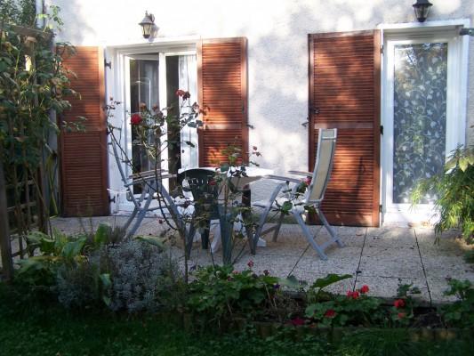 1 chambre louer 1 personne banlieue sud paris chambre chez l 39 habitant combs la ville. Black Bedroom Furniture Sets. Home Design Ideas